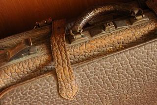 Suitcase. Image by Wonderlane on flickr.