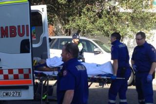 Paramedics in action (Pic: AAP Image/Peter Scarf)