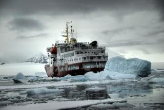 Ice breaker in the Antarctic (Image courtesy of IPD, Ville Miettinen)