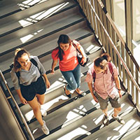 Students_walking_down_stairs_200*200