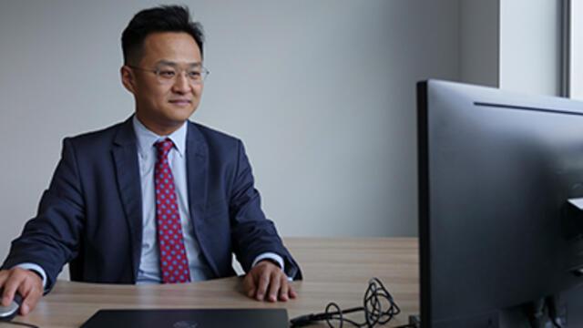 Charles Zhan (JD '11)