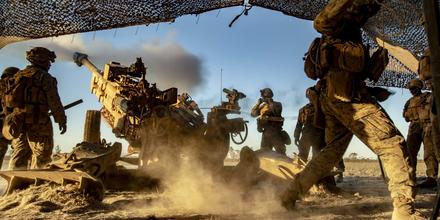 Marines fire an M777 howitzer at Mount Bundey Training Area, Australia, Aug. 27, 2019, during Koolendong, an exercise focused on interoperability between U.S. and Australian troops