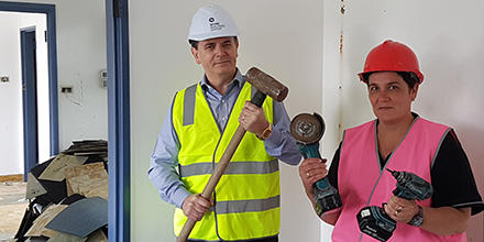 Professor Stephen Bottomley and Di Stewart visit the 2017 ANU College of Law renovation site.